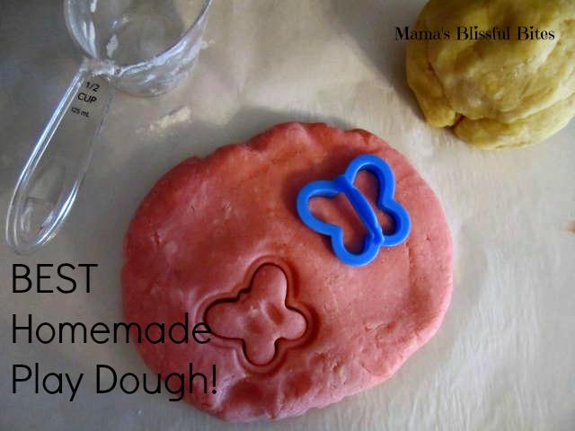 The Best Homemade Play Dough Recipe #kidscrafts
